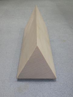 三角柱.jpg